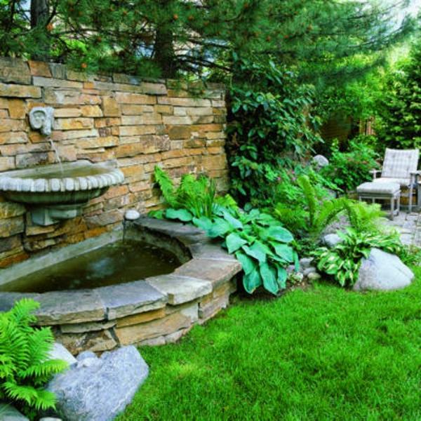 fontaine-murale-un-jardin-vert-magnifique