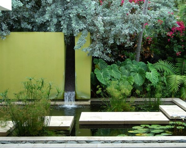 fontaine-murale-une-belle-cour-privée