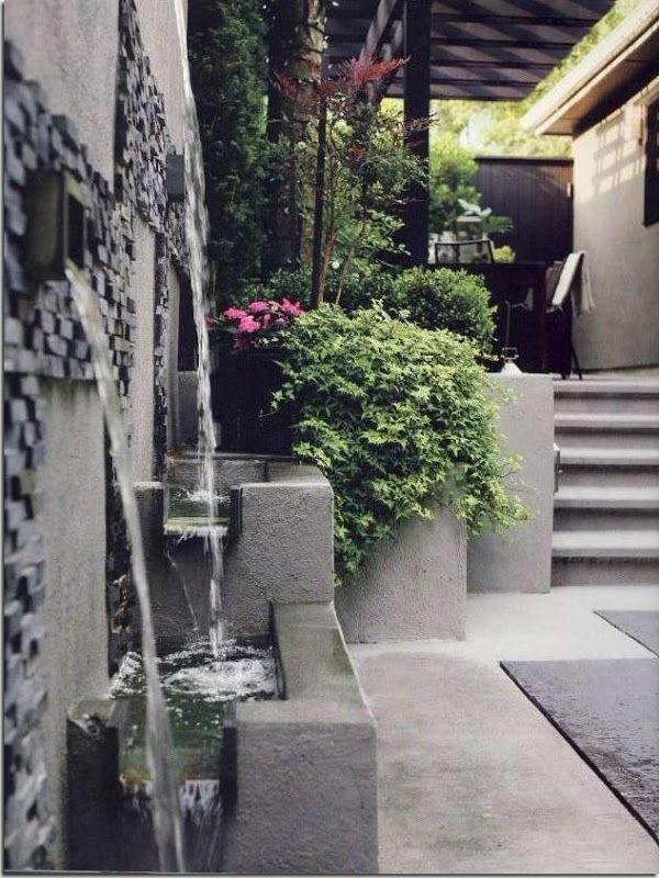 fontaine-murale-une-grande-fontaine-décorative