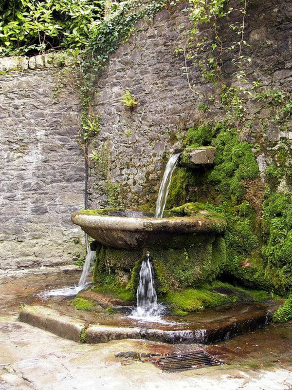 La déco extérieure avec une fontaine murale  Archzinefr