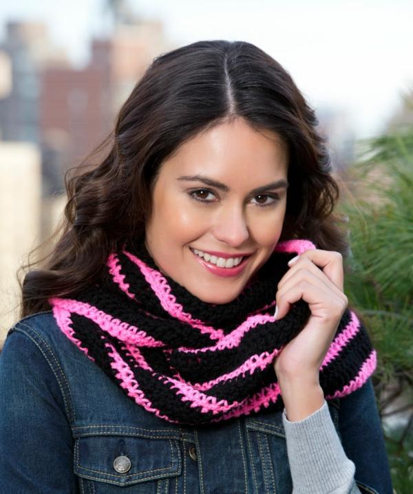 foulard-tube-en-rose-et-noir
