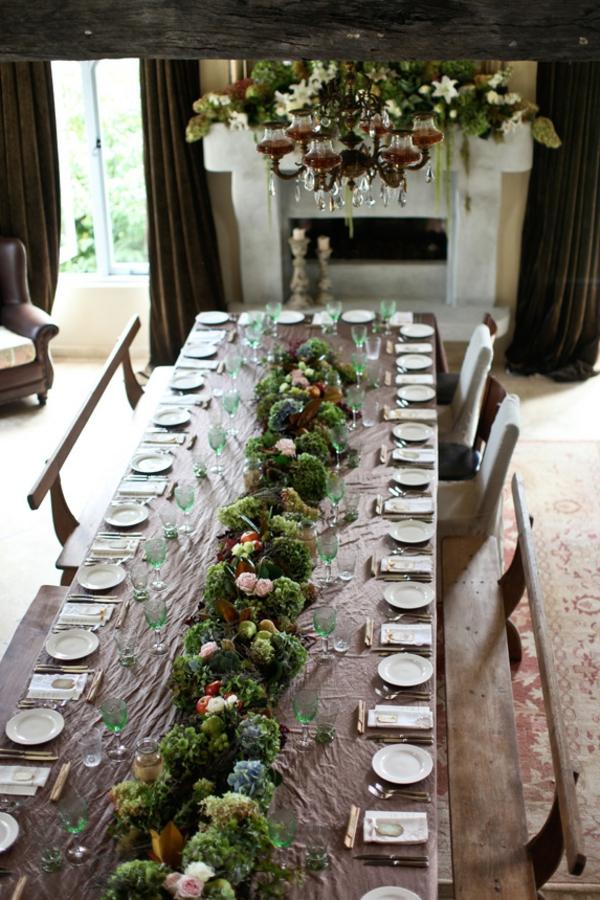 idee-de-deco-pour-mariage-champêtre-avec-des-tables-
