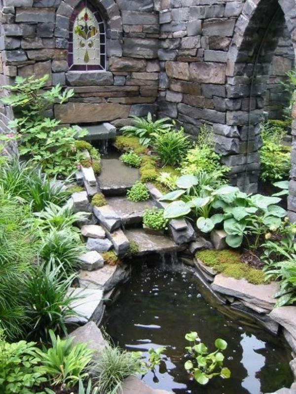 jardin-aquatique-design-de-petite-piscine