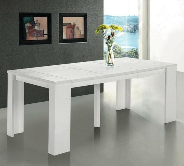 jolie-grande-table-en-blanc-et-décoration-de-peinture