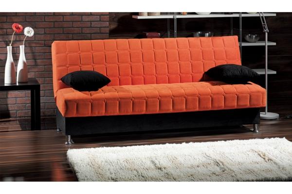 jolie-idée-en-orange-pour-votre-confortet-des-coussin-avec-un-tapis