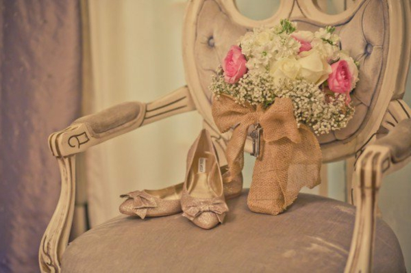 jolies-mariage-chaise-decoration-vintage