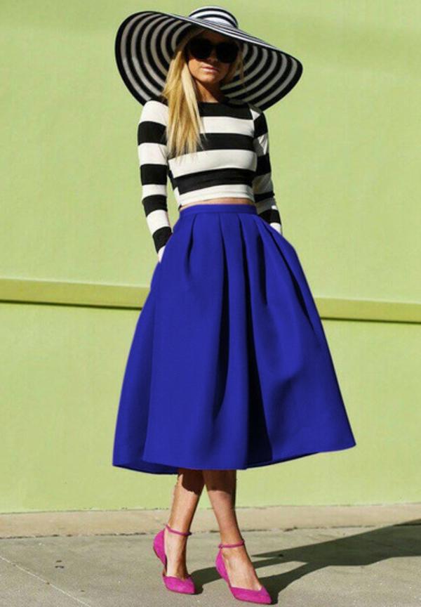 jupe-évasée-bleue-une(silhouette-classique
