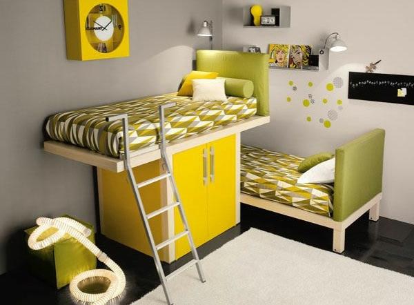 lit-surélevé-lit-au-dessus-d'une-armoire-jaune