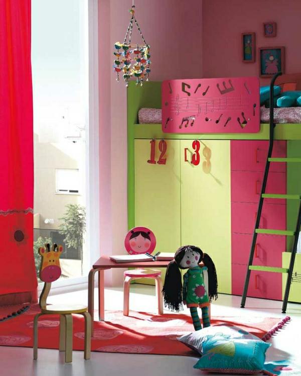 lit-surélevé-lit-avec-armoire-table-d'enfant-et-petites-chaises-originales