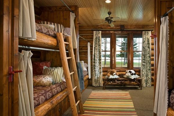 lits-superposés-uniques-intérieur-rustique-chaleureux