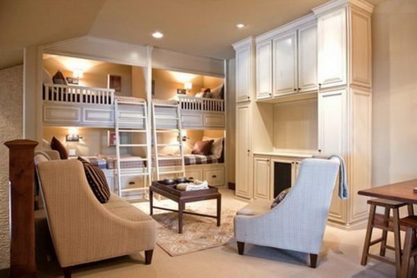 lits-superposés-chambre-d'enfants-élégante-deux-grands-fauteuils