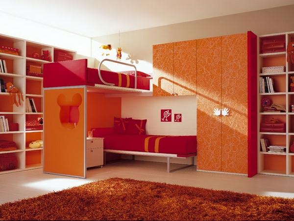 lits-superposés-chambre-d'enfants-en-couleurs-vives