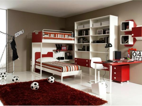 lits-superposés-dans-une-chambre-de-garçon