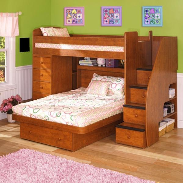 lits-superposés-en-bois-encadrement-joli-de-de-fenêtre
