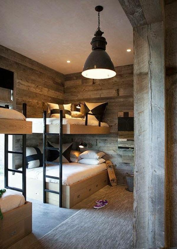 lits-superposés-et-parement-mural-original-intérieur-chaleureux
