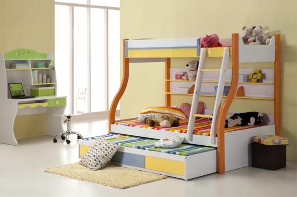 lits-superposés-et-un-bureau-d'enfants-mignon