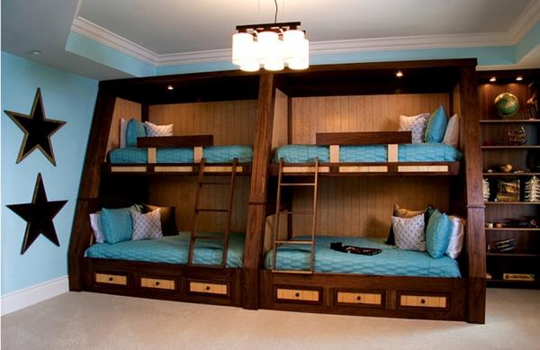 L 39 arrangement des lits superpos s dans la chambre d 39 enfant - Lit superpose pour tout petit ...