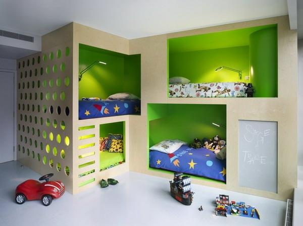 lits-superposés-quatre-lits-uniques-un-design-compact-et-créatif
