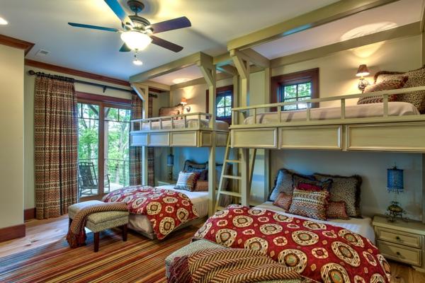 lits-superposés-une-grande-chambre-à-coucher