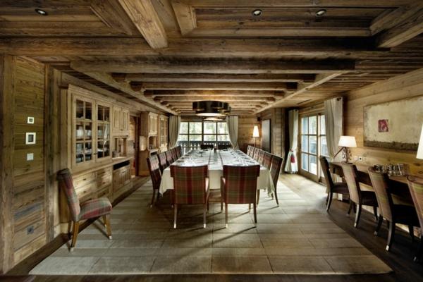 menuisierie-intérieure-salle-de-déjeuner-en-bois-maison-d'hôtes