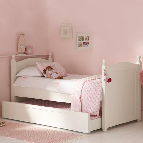 mignon-lit-d'enfant-pour-votre-fille-en-rose