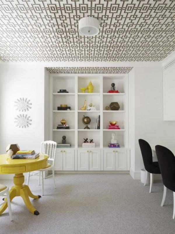 papier-peint-graphique-sur-le-plafond