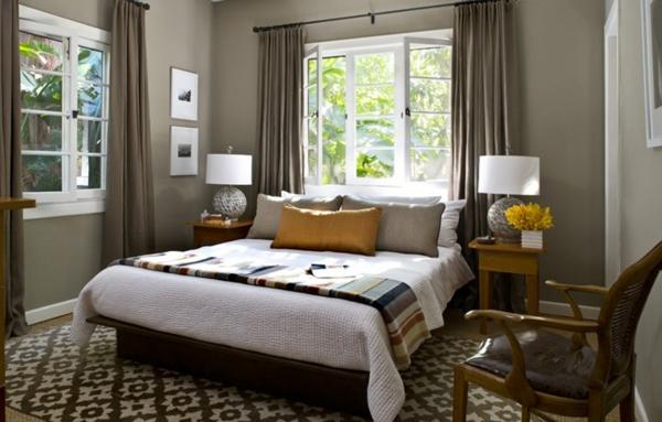 peinture-taupe-chambre-à-coucher-tapis-en-blanc-et-taupe