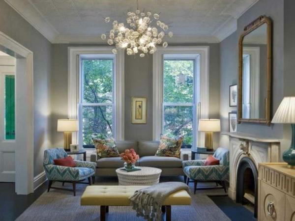 peinture-taupe-plafonier-magnifique-deux-sofas-turquoises
