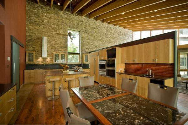 La pierre naturelle pour l 39 int rieur int rieurs cosy et for Cuisine avec mur en pierre