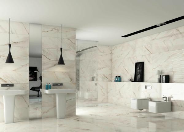 pierre-naturelle-pour-l'intérieur-salle-de-bains-marbrée-blanche