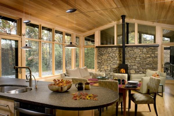 pierre-naturelle-pour-l'intérieur-un-mur-en-pierre-et-plafond-en-bois