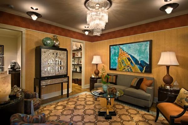 style-art-déco-plafond-en-couleur-taupe-plafonnier-cristal-tapis-géométrique