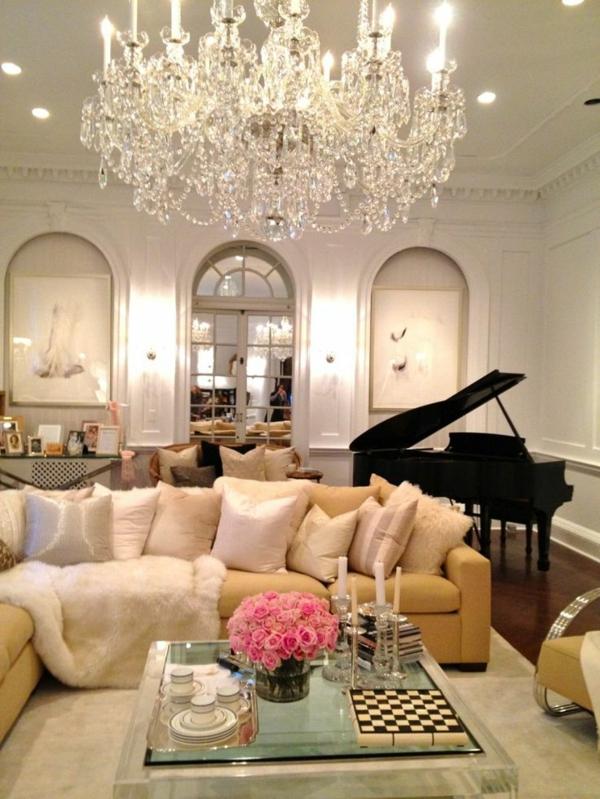 style-art-déco-plafonnier-magnifique-et-murs-blancs