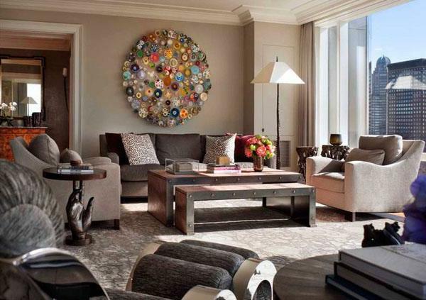 style-art-déco-sofas-gris-et-fauteuils-beiges-décoration-murale-magnifique