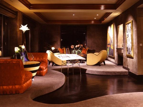 style-art-déco-tapis-rose-unique-fauteuils-remarquables