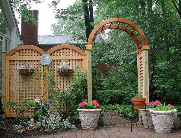 treillis-de-jardin-en-bois-design-coquet
