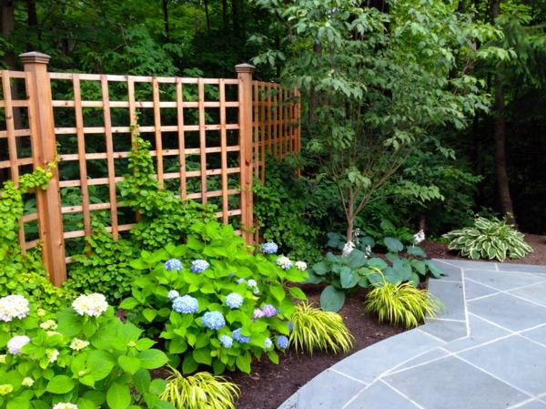 treillis-de-jardin-grillage-en-bois-décoratif