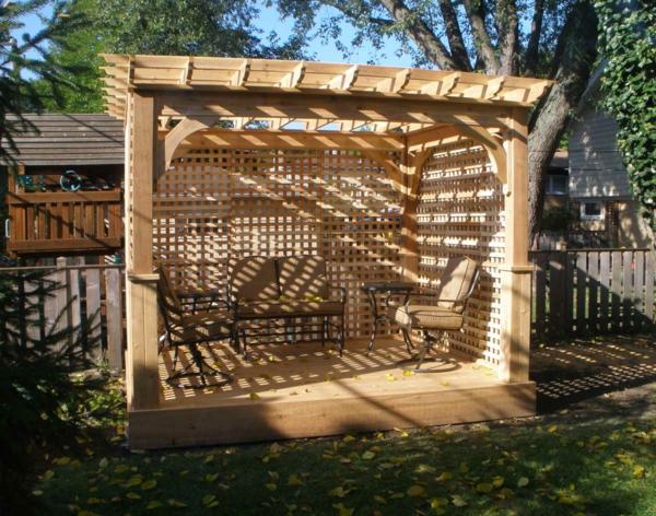 treillis-de-jardin-pergola-avec-treillis-et-équipement-extérieur