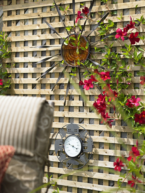 La d coration ext rieure avec un treillis de jardin for Decoration jardin interieur