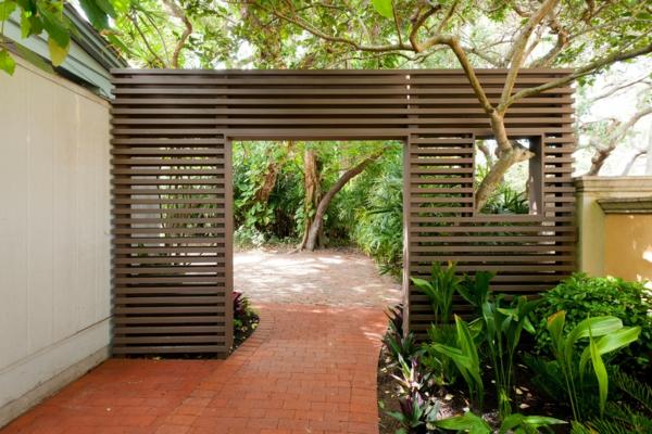 La d coration ext rieure avec un treillis de jardin - Panneau occultant exterieur ...