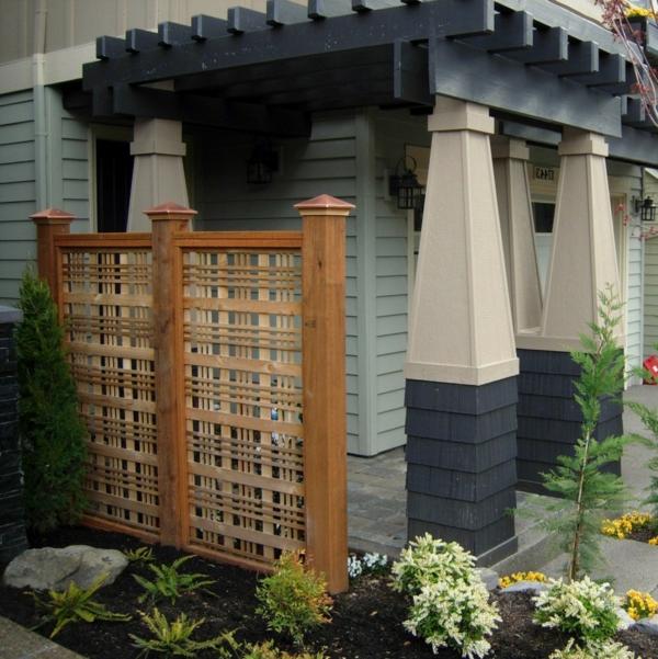 treillis-de-jardin-un-petit-jardin-pilliers-vintage-inspirants