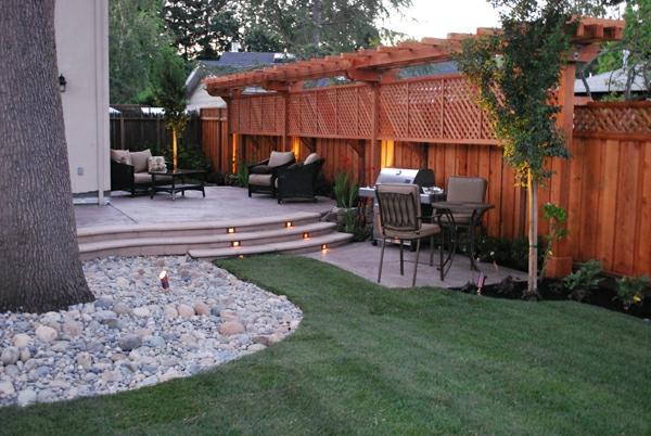 clôtures de jardin en bois, un joli treillis de jardin