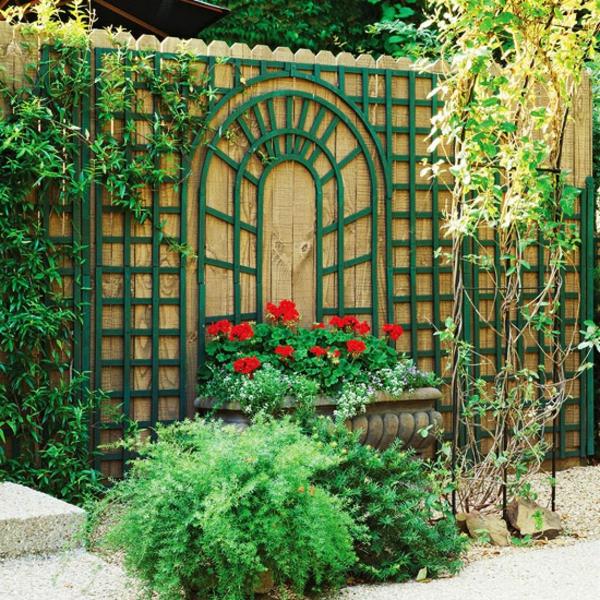 treillis-de-jardin-vert-une-brise-vue-en-bois-déco-unique-pour-le-jardin