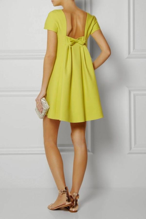 robe-trapèze-à-la-mode-couleur-tendance-vert-limone-robe-jolie-photo