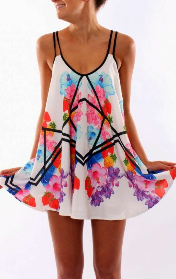 robe-trapèze-à-la-mode-petite-robe-colorée-jolie-joviale-coupe-belle