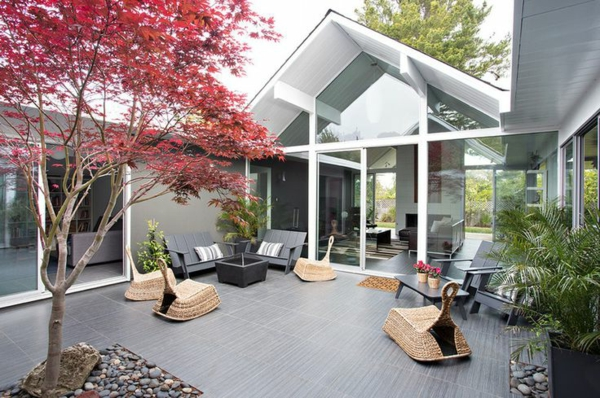 d coration avec un rable japonais. Black Bedroom Furniture Sets. Home Design Ideas