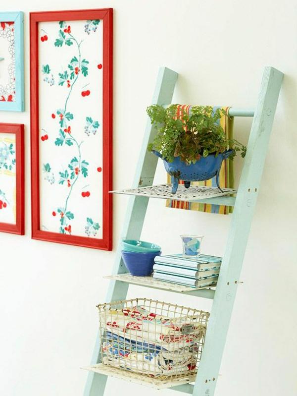 étagère-escalier-mur-blanc
