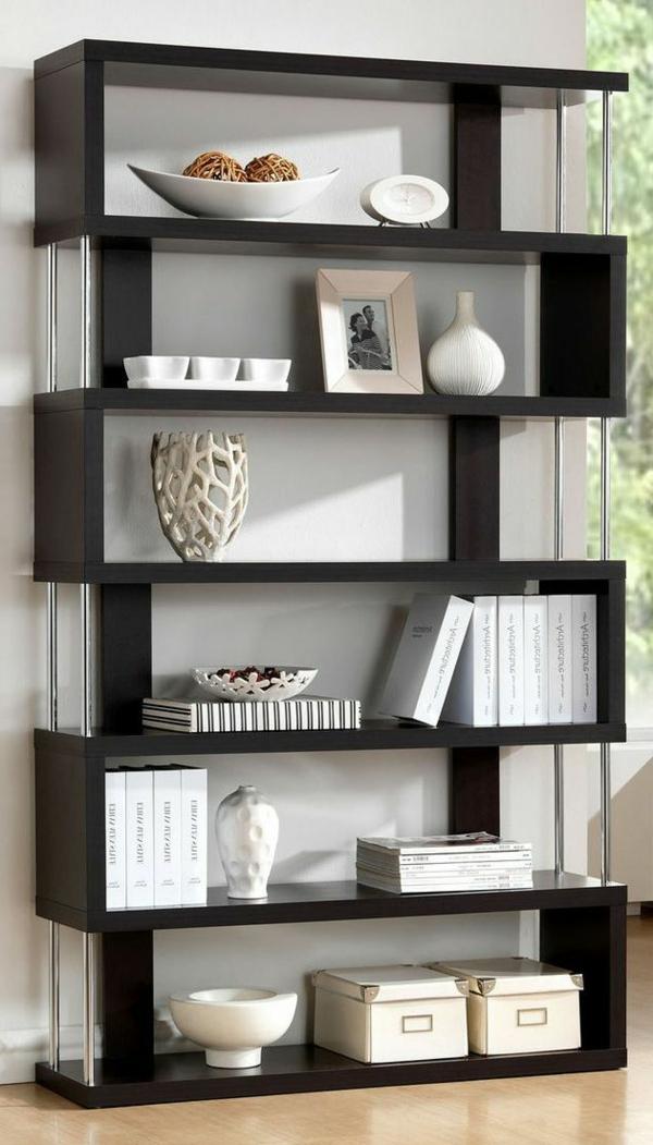 étagère-noire-avec-livres