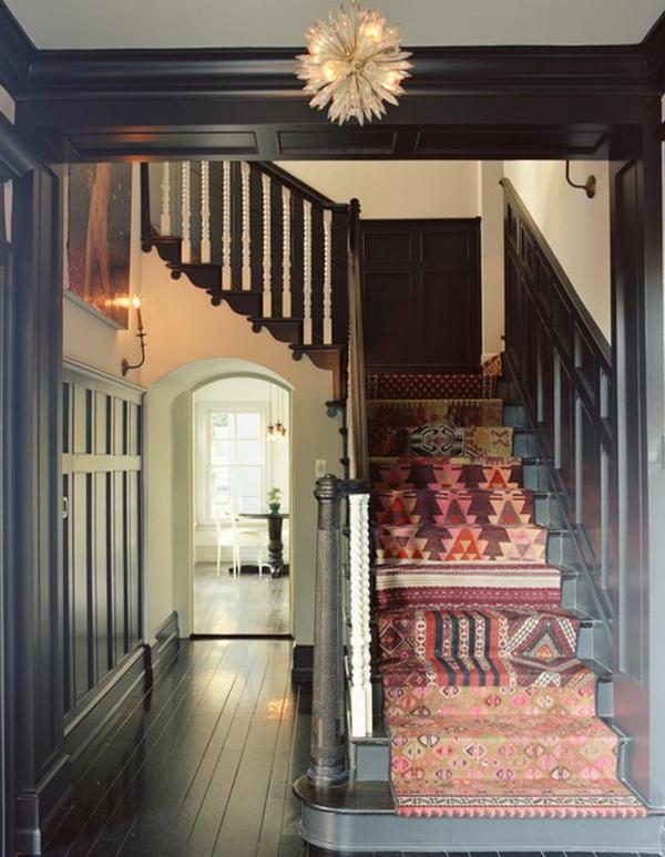 0-escalier-tapis-vintage-coloré
