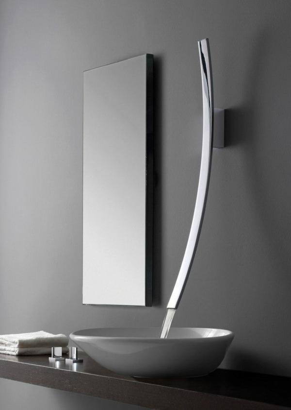0-robinet-modern-en-gris-salle-de-bain